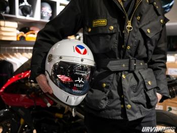 http://www.urvannus.com/files/gimgs/th-72_2020_04_16_인스타_벨티_리미티드에디션_미셀베이앙-스티브-워슨_풀페이스-헬멧(로고).jpg